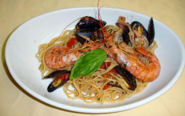 spaghetti scoglio menu trattoria